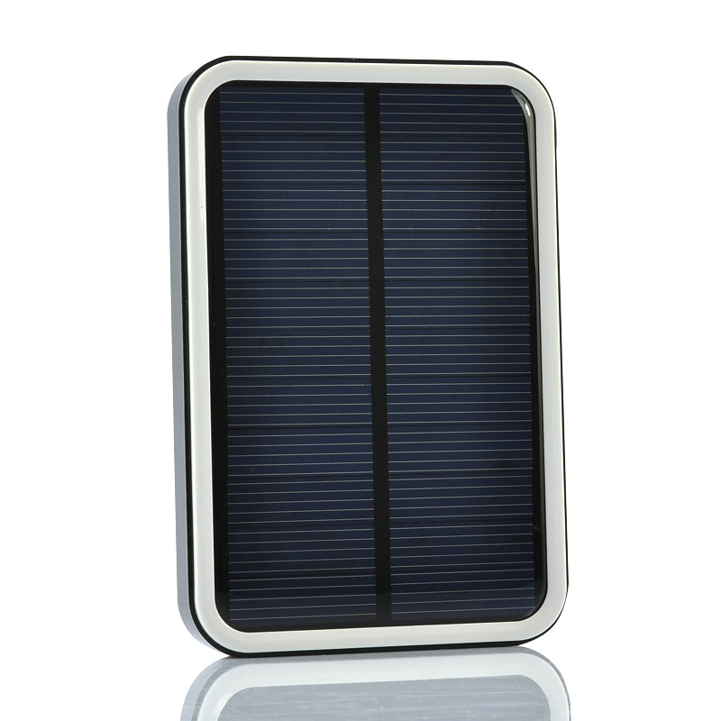 Solar Power Bank - 7000mAh, 10 in 1 USB Splitter Cable